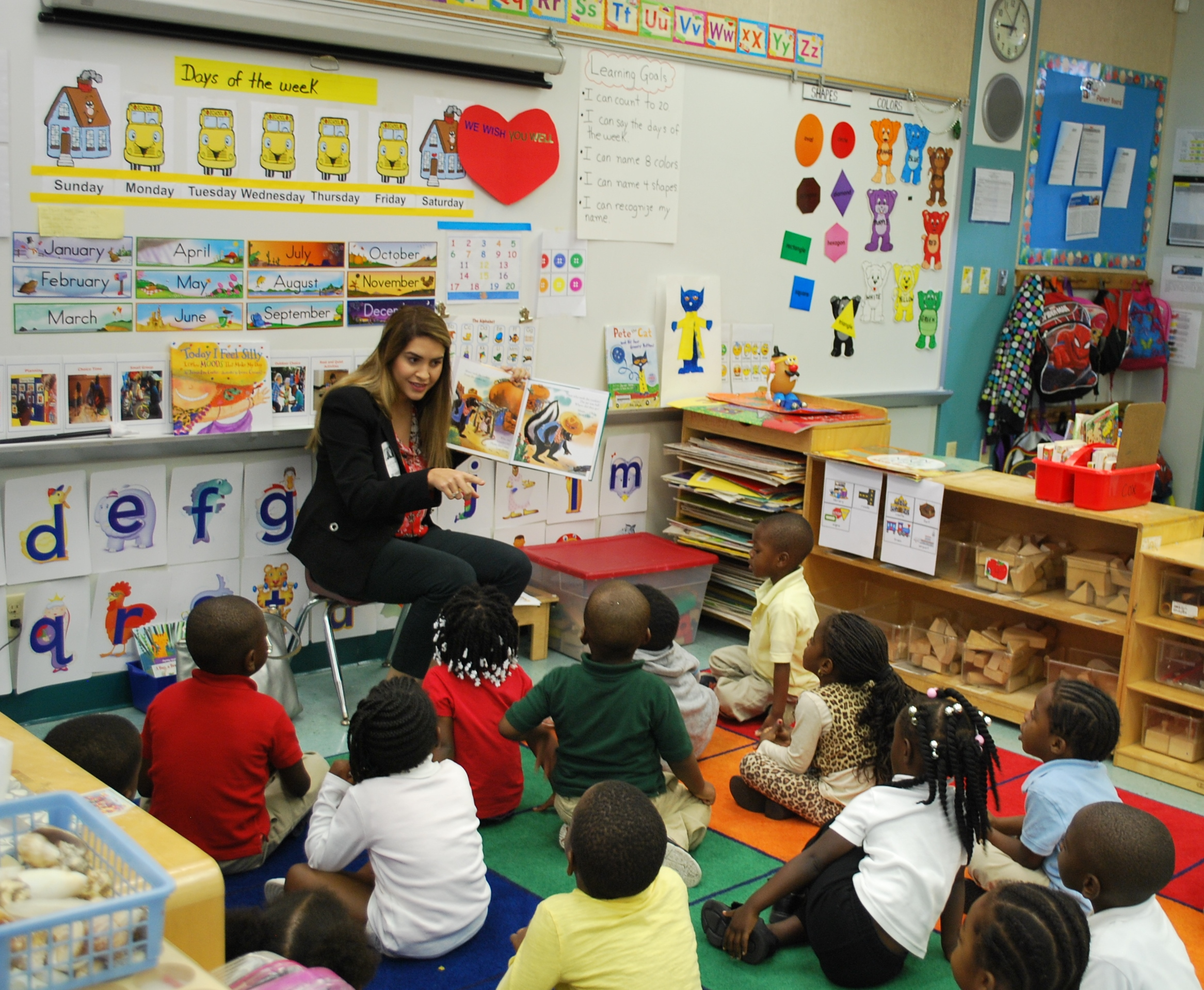 Ale Mendoza, Chair Of The YLS Lawyers Literacy Program – Reads To Kindergartners